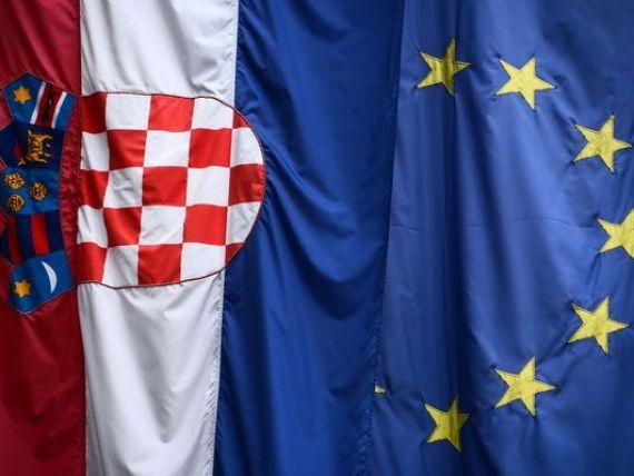 Fitch a retrogradat ratingul Croatiei, cu o treapta, din cauza riscului privind stabilitatea datoriei. Al saselea an de recesiune
