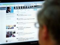 Hackerii au spart contul de Twitter al lui Dmitri Medvedev, anuntand demisia acestuia