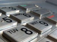 ANPC vrea ca bancile sa afiseze pe ecranele bancomatelor comisioanele pentru fiecare operatiune. Reactia Consiliului Patronatelor Bancare