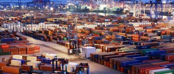Exporturile Germaniei s-au prăbuşit în aprilie, reducând de patru ori excedentul comercial al celei mai mari economii a Europei