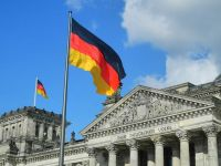 Germania adopta masuri aspre pentru a-i impiedica pe imigrantii din UE sa fraudeze sistemul de securitate sociala. Berlinul va expulza pe oricine incalca legea