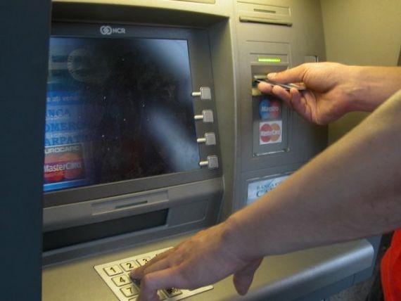 De ce nu vor bancile afisarea comisioanelor pe ecranul bancomatelor. Cati bani pierzi la fiecare tranzactie fara sa stii