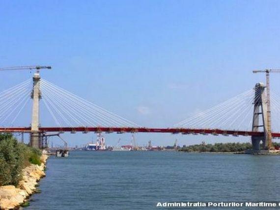 Cel mai mare pod rutier hobanat din Romania se apropie de finalizare. Cum arata trecerea de 360 metri lungime si cu patru benzi de circulatie. FOTO