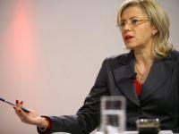Corina Cretu, audiata de Junker, ar urma sa fie comisar european pentru ajutor umanitar. Premierul anuntase ca Romania a obtinut dezvoltarea regionala. Ponta de vina pe Basescu
