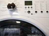 Electrolux cumpara fabrica de electrocasnice a General Electric cu 3,3 miliarde dolari, pentru a deduce diferenta fata de Whirlpool, liderul pietei