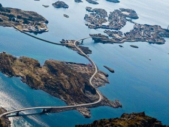 Drumul Atlanticului, una dintre cele mai periculoase, dar si spectaculoase sosele din Europa: serpentine, poduri abrupte si valuri care se  sparg  peste masini. FOTO, VIDEO