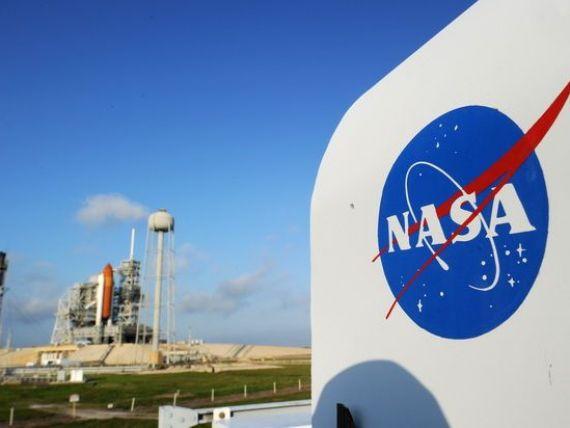 NASA a ales Boeing si SpaceX sa construiasca  taxiuri spatiale , de 7 mld. dolari total, pentru a pune capat dependentei de capsulele rusesti