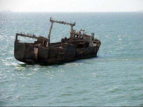 Romania, te iubesc : De la locul 3 in lume la productia de peste, la o singura nava functionala. Cum a fost vanduta flota de pescuit oceanic a Romaniei la preturi de conserve goale