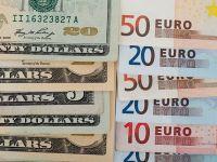 Euro a scazut la minimul ultimilor doi ani fata de dolar, din cauza inflatiei reduse. Moneda americana incheie cel mai bun trimestru dupa declansarea crizei financiare