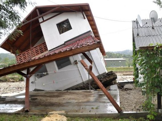 Pierderile economice in cazul unor inundatii catastrofale: 4% din PIB-ul Romaniei ar fi maturat de ape