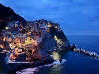 Jumatate dintre romani platesc in rate vacantele de vara in strainatate si cauta pachete turistice cu reduceri