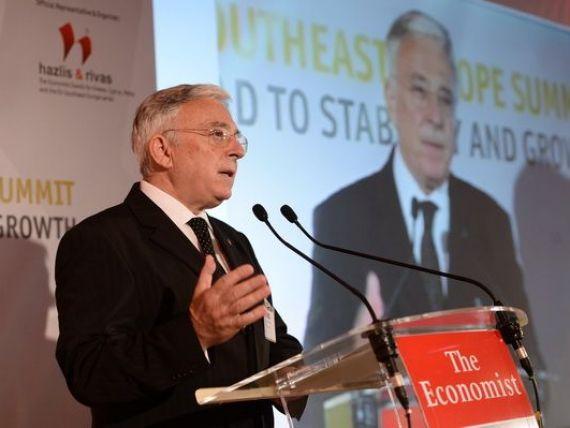 Isarescu: Cresterea economica ar fi ingreunata de un proces necontrolat de retragere a capitalurilor