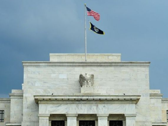 Economia SUA a crescut cu numai 0,2% in T1, in urma scaderii cotatiilor petrolului si aprecierii dolarului. Posibil ca Fed sa nu grabeasca inceperea cresterii dobanzilor