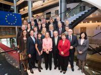 """Un nou """"guvern"""" pentru Europa. Comisia Europeana in noua formula isi incepe mandatul sambata, pe fondul revenirii economice firave si a somajului record. Provocarile noilor comisari"""