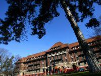 Hotelul Triumf din Capitala, fara cumparator. RA-APPS a scos cladirea la licitatie, la un pret de pornire de 19,6 mil. euro