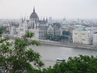 Ungaria majoreaza cu 25% salariul minim pentru muncitori si reduce contributiile sociale, pentru a atrage tinerii plecati in Vest si maghiarii din tarile vecine