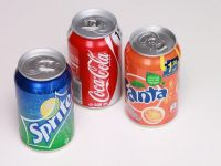 Romanii beau mai putina Coca-Cola. Vanzarile companiei in Romania au scazut, pentru al doilea an consecutiv. Sucurile naturale, pe crestere