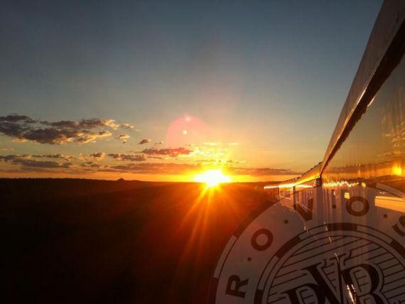 Cel mai luxos tren din lume. Calatorie prin savana africana, in atmosfera anilor  40, fara internet si televizor. GALERIE FOTO si VIDEO