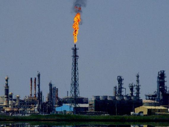 Dansul elefantului pe gheata subtire sau cum scaderea pretului petrolului se poate intoarce impotriva celor care au orchestrat-o. Studiu de caz: Arabia Saudita, 1986