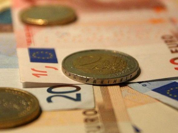 Ministrul Finantelor: Resursele naturale vor fi taxate intr-un nou mod; daca firmele nu platesc contributiile la stat, angajatii raman fara asigurare; Republica Moldova, intre dictatura si democratie inainte de alegeri