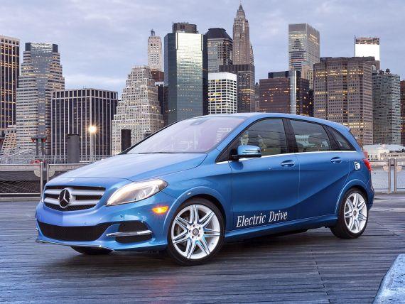 Ecotichetul nostru: 12.000 lei. Al lor: 6.500 euro. Renault-Nissan, lider pe masini electrice. Cum au ajuns mai ieftine decat autoturismele normale