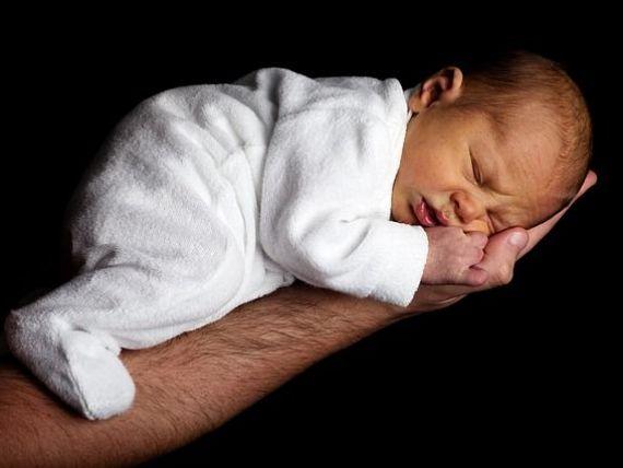Finlanda aprobă concediu paternal egal cu cel maternal și dublează durata actuală, pentru a stimula natalitatea și a îmbunătăți egalitatea de gen