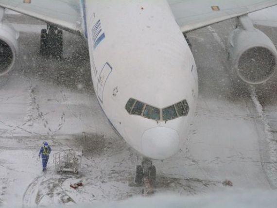 Cursele care pleaca de pe Aeroportul Henri Coanda au intarzieri intre 30 de minute si o ora, din cauza degivrarii