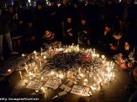 ATAC TERORIST LA PARIS: Cel putin 12 morti la sediul unui ziar cunoscut pentru publicarea de caricaturi cu profetul Mahomed. Un suspect s-a predat, ceilalti doi, cautati de politie. Zi de doliu national in Franta
