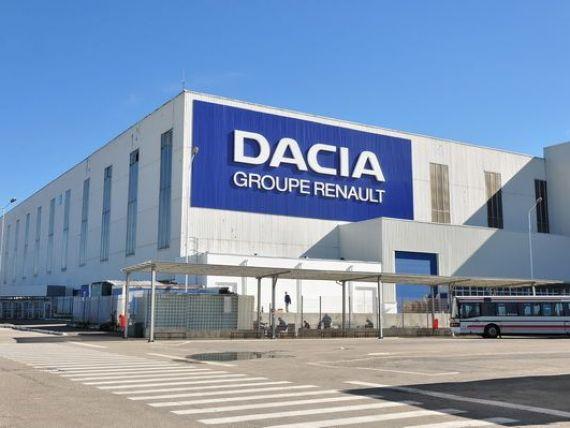 Sindicatul Dacia si administratia companiei au ajuns la un acord pe marginea majorarilor salariale. Cati bani primesc in plus angajatii, in 2015