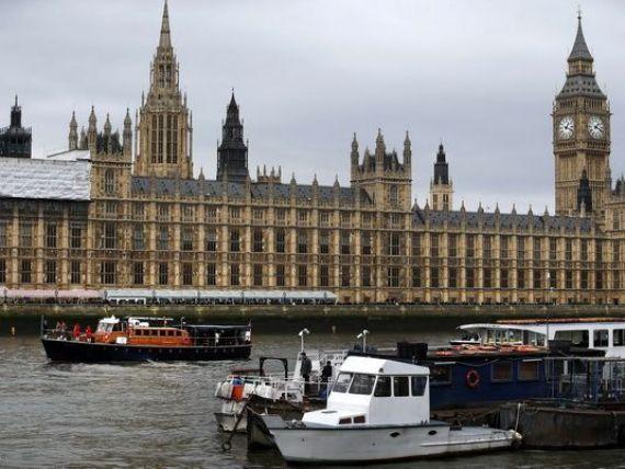 Parlamentul de la Londra acuza Marea Britanie si UE ca au intrat ca  somnambulii  in criza din Ucraina: o  interpretare eronata catastrofala  a semnalelor date de Kremlin