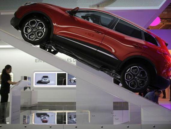 Cele mai tari masini lansate la Geneva. Kadjar, noul model de la Renault, opera unui roman. Designerul sef al gigantului francez:  Daca va continua in acest ritm, s-ar putea sa fiu nevoit sa-mi caut un alt job  VIDEO
