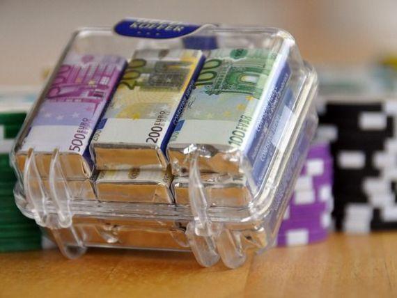 Suma medie pe care o are un roman in contul de pensii private depaseste 1.000 de euro. Care sunt fondurile cu cele mai mari valori ale contributiei