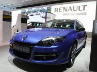 Renault renunta la Laguna si Latitude si lanseaza un model concurent pentru Volkswagen Passat si Peugeot 508