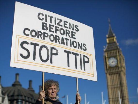 Negocierile UE-SUA pe tema Acordului comercial transatlantic se vor prelungi pana in 2016. Europa se teme de o  invazie  a multinationalelor americane