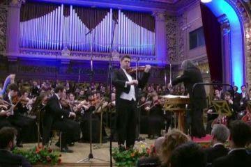 Romania din Regatul Unit: Povestea violonistului licentiat la New York si care conduce pe strazile Londrei o Dacie din 1972.  Sunt un roman exilat in Anglia si un englez cu radacini romanesti