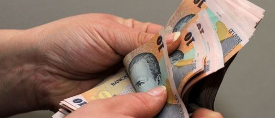 Curtea de Conturi: Numărul de beneficiari de ajutoare sociale a crescut cu peste 30%, după 2011. Unele persoane au încasat și 7 ani bani de la stat, deși legea îi obligă să-și caute job