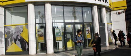 Profitul net al Raiffeisen Bank a scăzut cu 27% în primul semestru, la 280 milioane lei, în contextul pandemiei