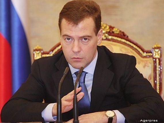 Medvedev: Rusia va adopta   o pozitie ferma  , daca Ucraina va fi in incapacitate de plata si nu-si va achita datoria externa