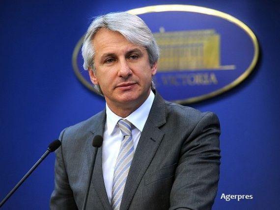 Teodorovici: Mecanismul Pilonului II se află în analiză, el poate fi îmbunătăţit. Nu suspendăm contribuţiile