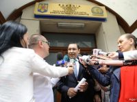 Victor Ponta, urmarit penal. Presedintele Iohannis ii cere demisia premierului. Cat a pierdut leul fata de euro dupa anunt si la cat ar putea ajunge cursul