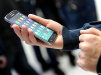 ANCOM: In Romania sunt 23 mil. utilizatori de telefonie mobila. Un roman vorbeste la telefon peste 4 ore/luna si trimite 74 de sms-uri