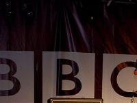 """BBC desfiinteaza 1000 de posturi si renunta la 6% dintre angajati. """"Oamenii urmaresc tot mai mult programele online pe dispozitive mobile. Numarul locuintelor cu televizor a scazut"""""""