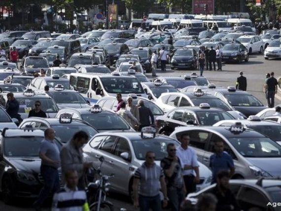 Uber suspenda UberPop in Franta, in urma protestelor taximetristilor