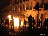 Eurogrupul da unda verde deschiderii negocierilor pentru al treilea plan de ajutor pentru Grecia. Parlamentul de la Atena a spus DA austeritatii