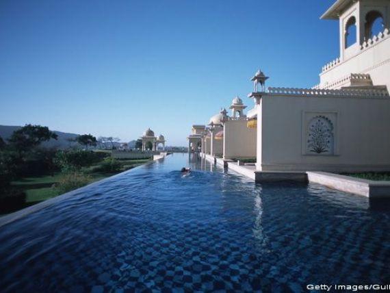 Cel mai bun hotel din lume in 2015. A primit 99 de puncte din 100. Cazarea ajunge si la 10.000 de euro/noapte pentru doua persoane
