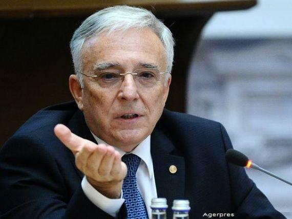 Guvernatorul BNR: Romania e in club, situatia macroeconomica, acum, este foarte buna, dar nu inseamna ca avem camp sa o stricam. Riscurile iminente