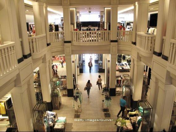 Ortega e la un pas sa-l detroneze pe Gates si sa devina cel mai bogat om din lume, dupa ce vanzarile Inditex, cel mai mare retailer de imbracaminte, au urcat la 9,42 mld. euro