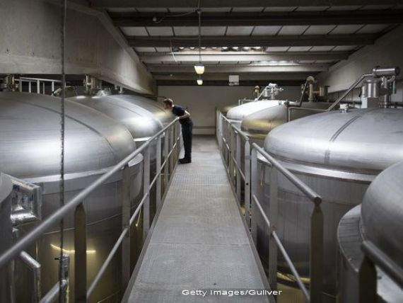 AB InBev vrea sa cumpere SABMiller, printr-o tranzactie record de 245 mld. dolari. Gigantul ar produce o treime din cantitatea de bere consumata pe glob si ar controla jumatate din profitul industriei
