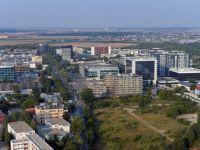 Cererea expatilor pentru proprietati premium a crescut, in Bucuresti, cu 5 - 7%. Preturile de inchiriere ajung la 3700 euro/luna pentru 4 camere sau 7000 pentru penthouse. Cea mai cautata zona