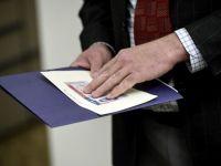 Cand vor fi eliminate vizele pentru romani. Raspunsul ambasadorului SUA, Hans Klemm